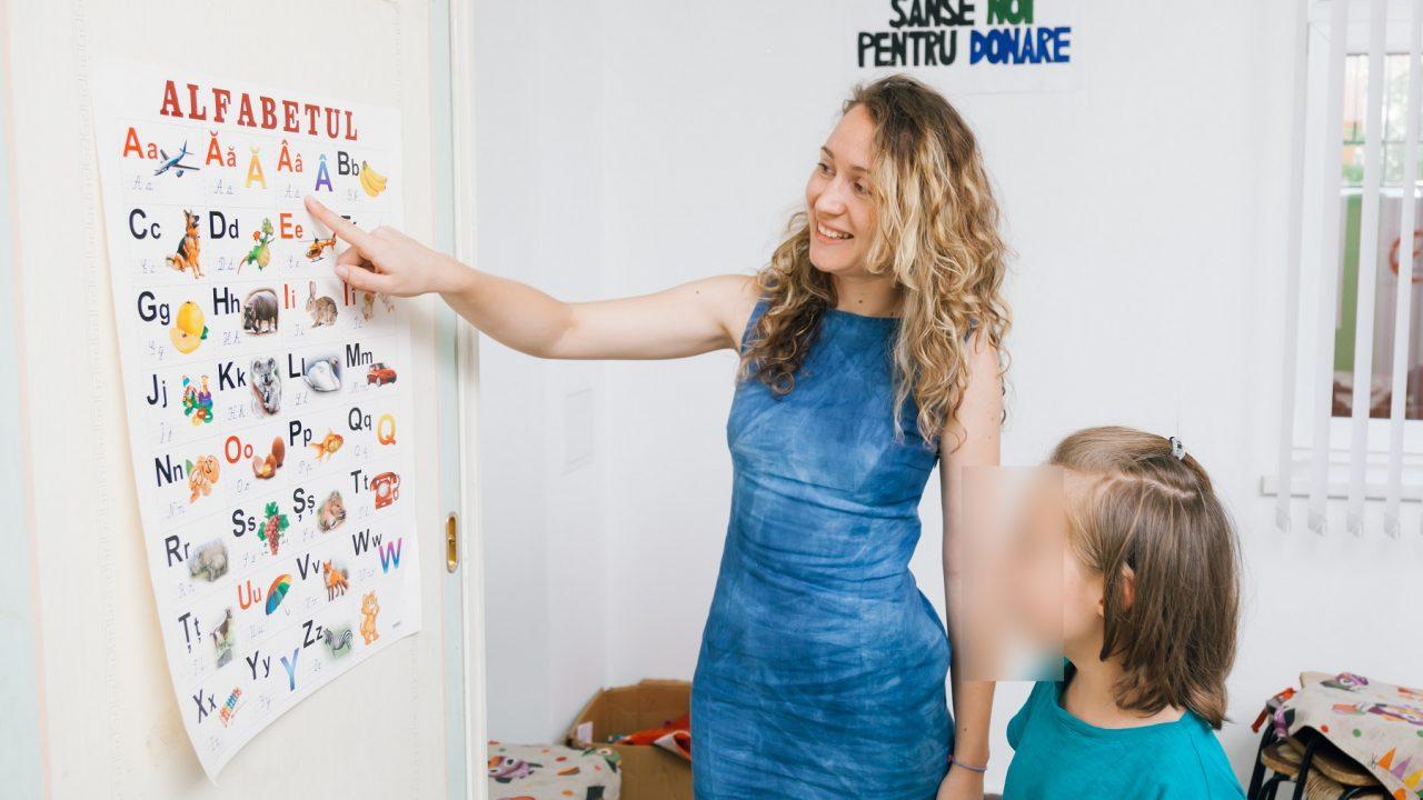 Безусловная любовь: Ради нуждающихся детей девушка-волонтер покинула Италию и вернулась в Молдову